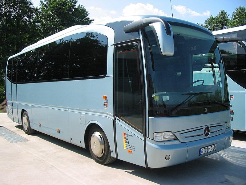 Reisebus mit 30 Sitzplätzen und WC